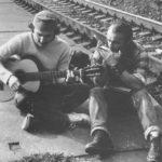 s gitarou Jimov braj Ajo, s harmonikou Jim (cca 1980)