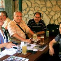 Redakčný stôl - zľava Mono, Kity, Lewis, Anka