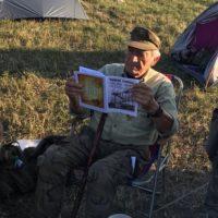 Šperhák číta Trampský spravodaj